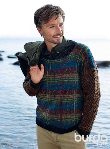Мужской пуловер в шотландскую клетку