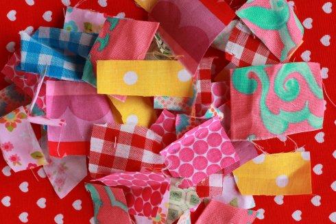 Елочные украшения своими руками: шарики изостатков ткани