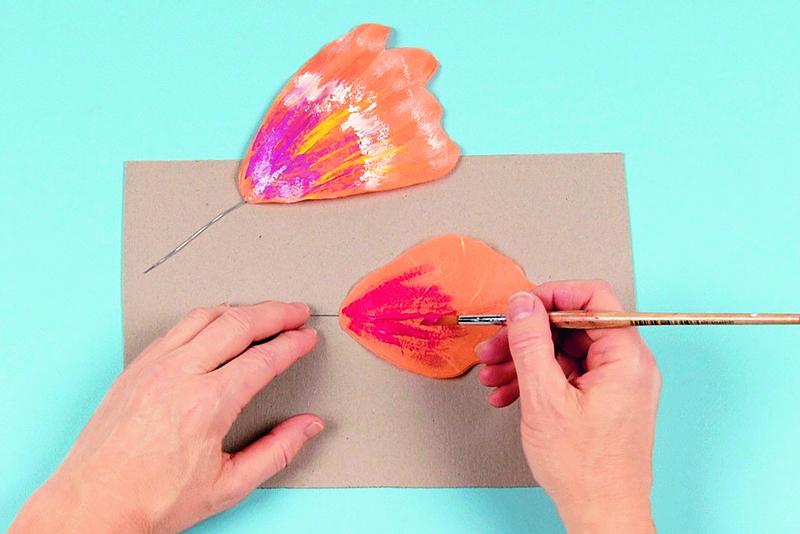 Бабочки изшёлковой гофрированной бумаги своими руками